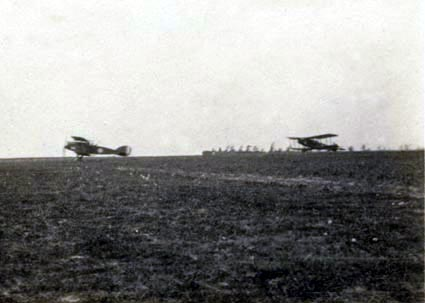 No 62 Sqn Bristol fighters taking off, 1918